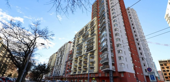 Двухкомнатная долгосрочно снять Братислава